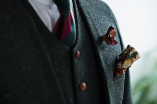 ノーカラースーツ|メンズツイード緑