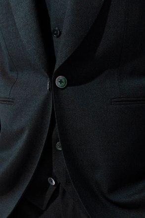 グリーンのカジュアルウェディングスーツ