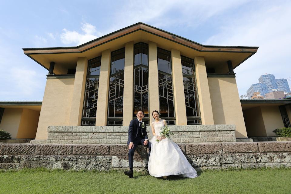自由学園明日館|結婚式のウェディングスーツ