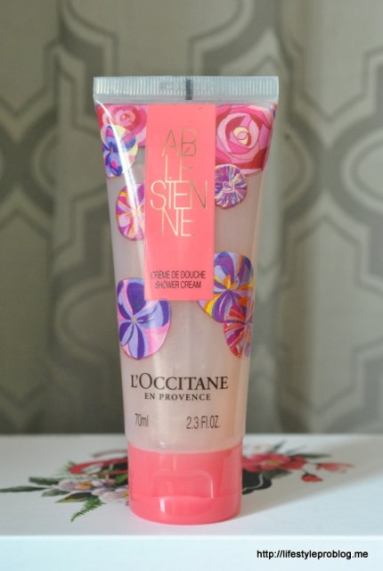 My Envy Box October 2015 L'Oocitane Arlésienne Shower Cream