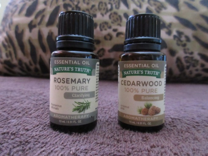 Cedarwood and Rosemary essential oil from Nature's Truth brand