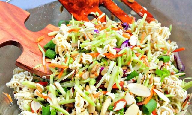 Crunchy chinese salad