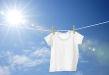 सफेद कपड़ों का पीलापन मिटाएँ