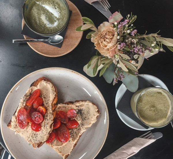 The Best Vegan-Friendly Cafes & Restaurants In Barcelona | lifestyletraveler.co | IG: @lifestyletraveler.co
