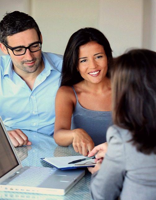 couple-applying-for-loan