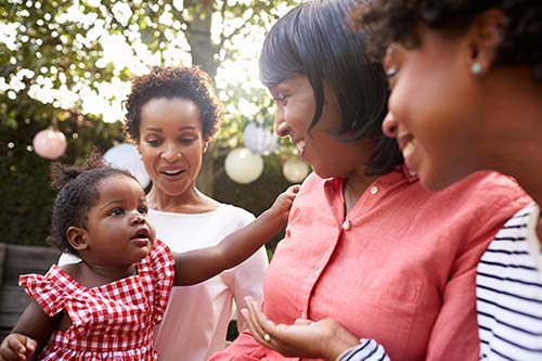Birth mother in an open adoption relationship with adoptive families