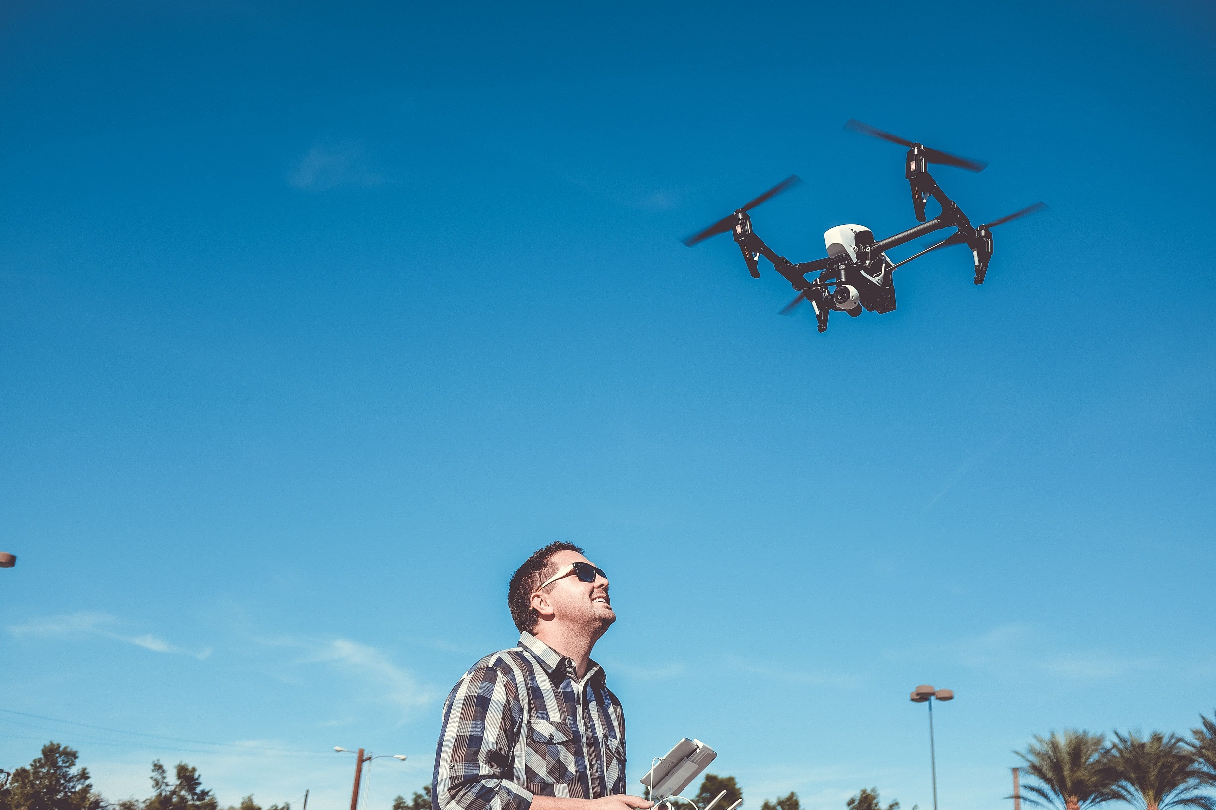 travel-drones-for-travelling-uprise