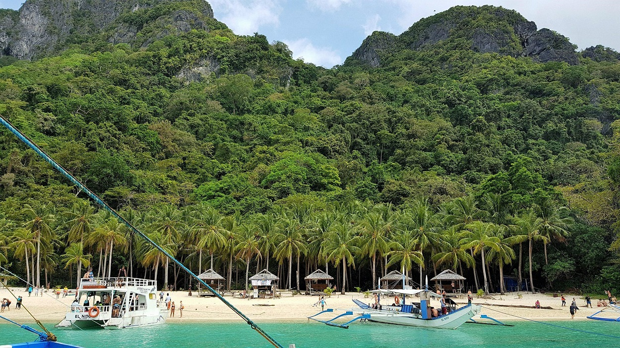 Seven Commandos Beach, Bacuit Bay (Island Tour A) Palawan Island Philippines
