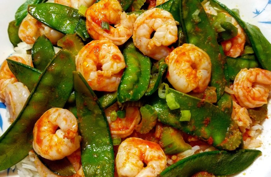 Shrimp & Snow Peas Curry with a wine pairing