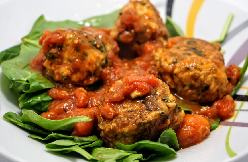 Turkey Meatballs with Spinach Salad