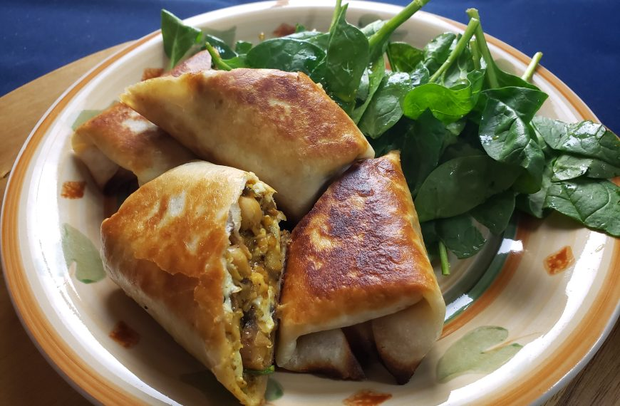 Curry Rolls Recipe with Spinach and Apricot Chutney