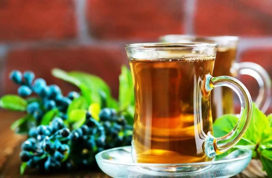 Herbal White Tea with Blueberries