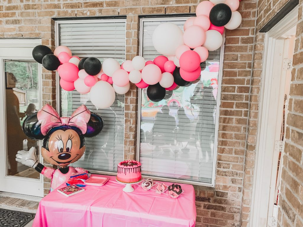 How to throw a toddler birthday party on a budget