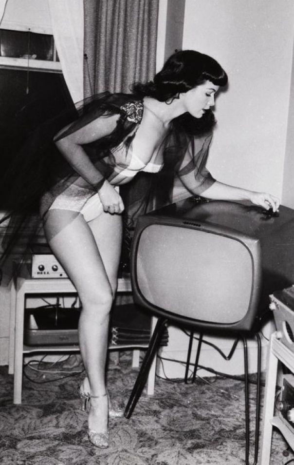 Bettie Page 112