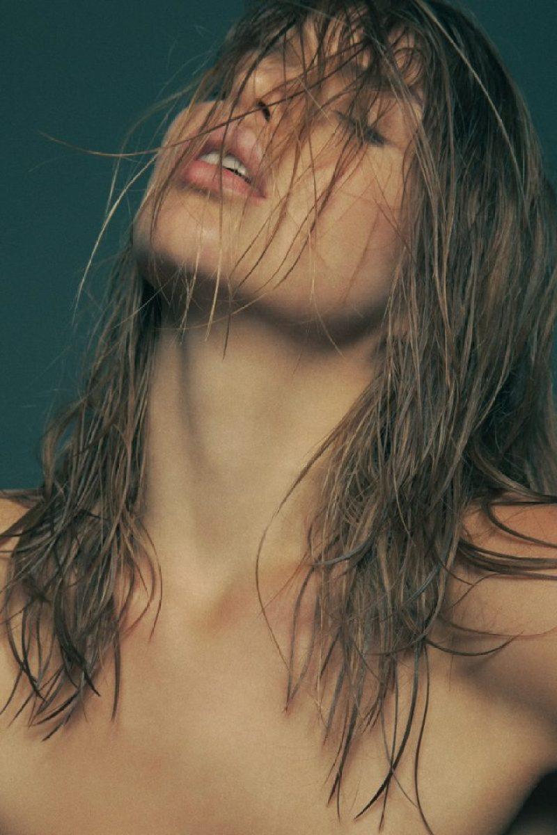 Avril Alexander 36