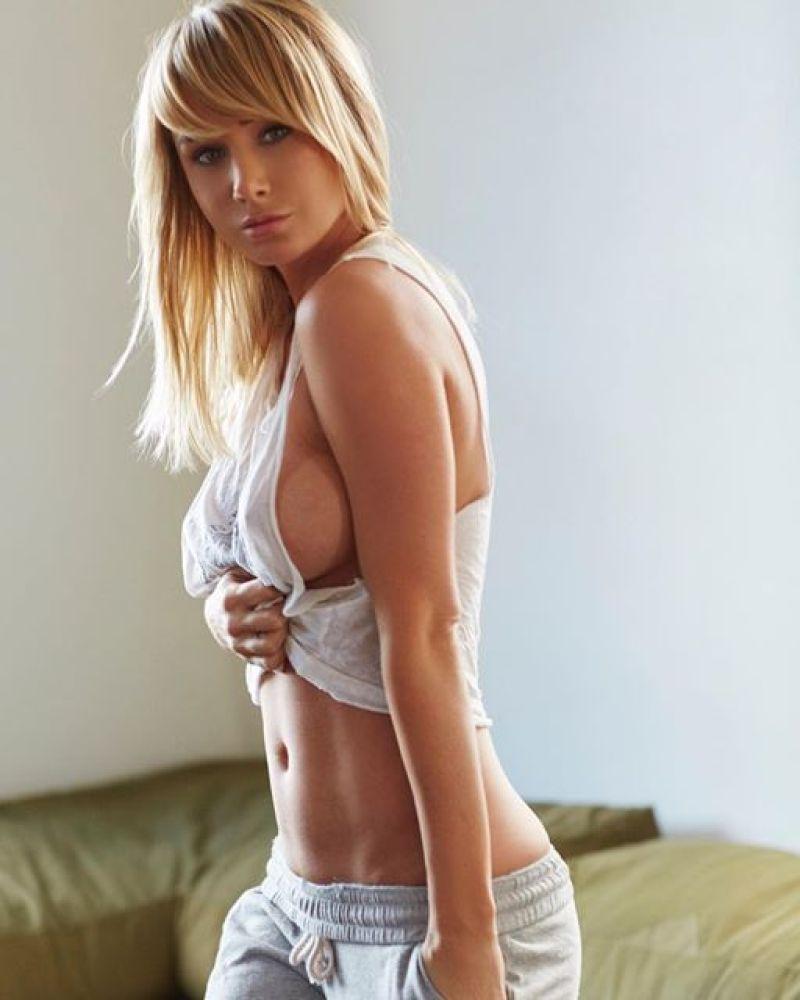 Sara Underwood 4