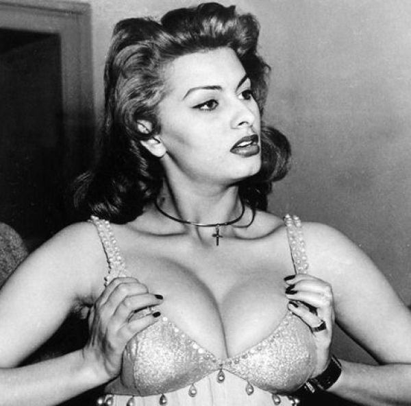 Sexy Sophia Loren 11