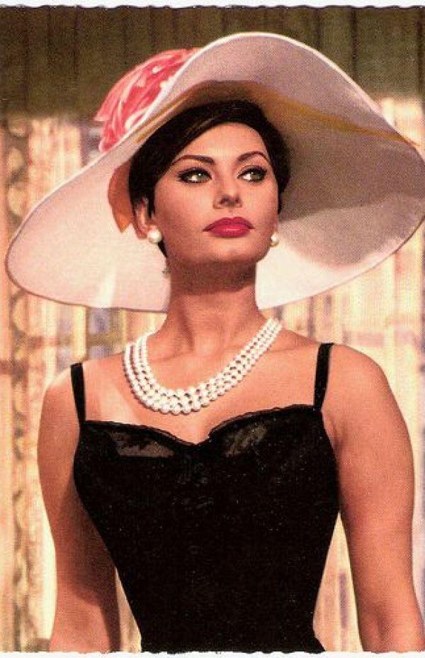 Sexy Sophia Loren 22