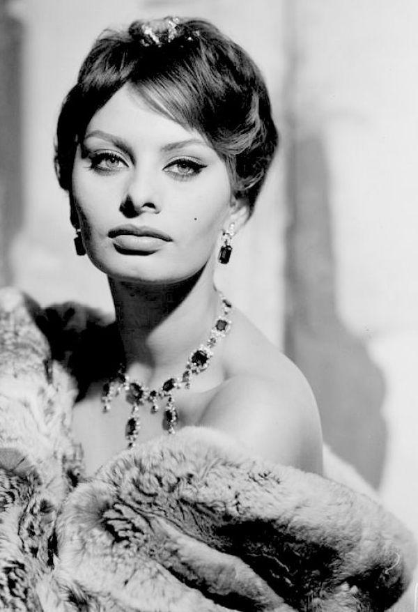 Sexy Sophia Loren 70