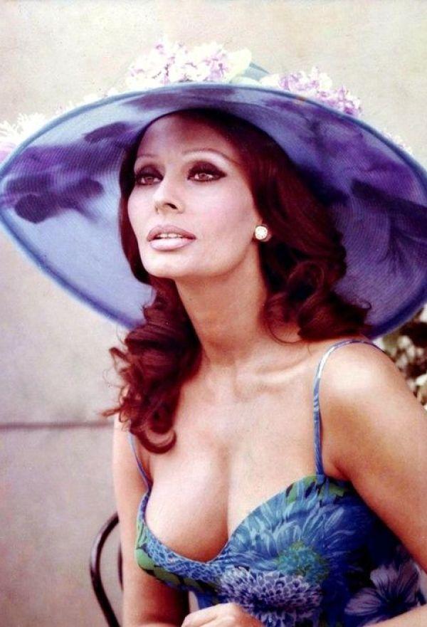 Sexy Sophia Loren 76