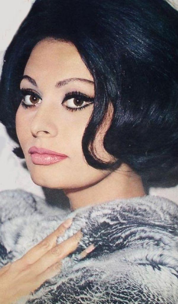 Sexy Sophia Loren 79