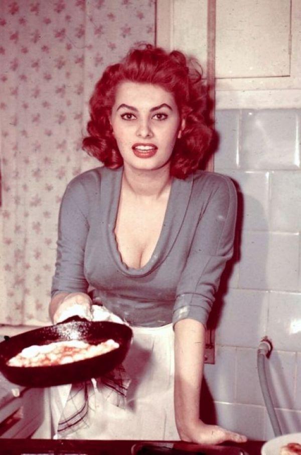 Sexy Sophia Loren 85