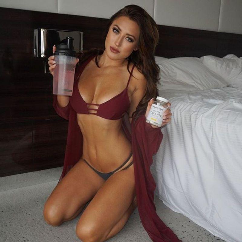 Stefanie Knight 8