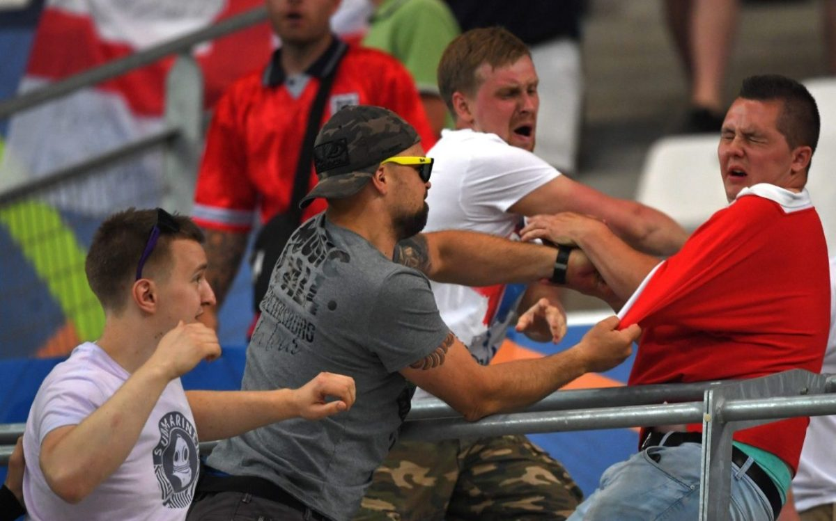 100428266_Russian-fans-clash-England-NEWS-xlarge_trans++YYez6bMh04s2ZuuCSrD4Iikz1ktAVp0Zd4rReKAdrQI