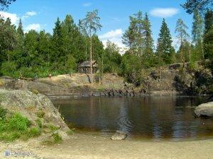 Мини-водопад перед Рускеалой