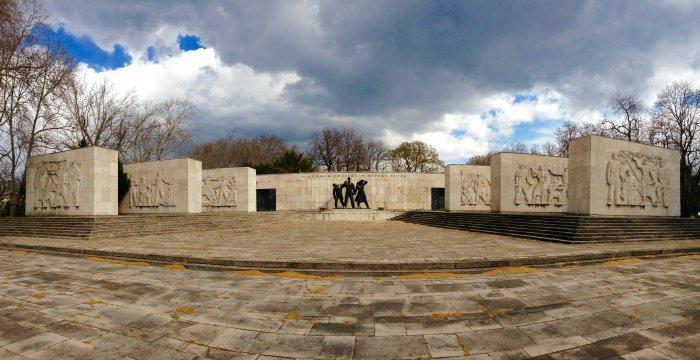 kerepesi cemetery budapest hungary image mausoleum for labour movement