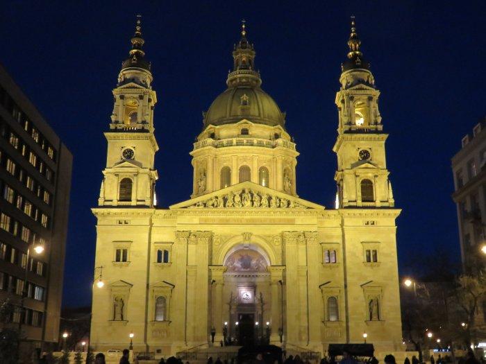 st stephens basilica image budapest hungary