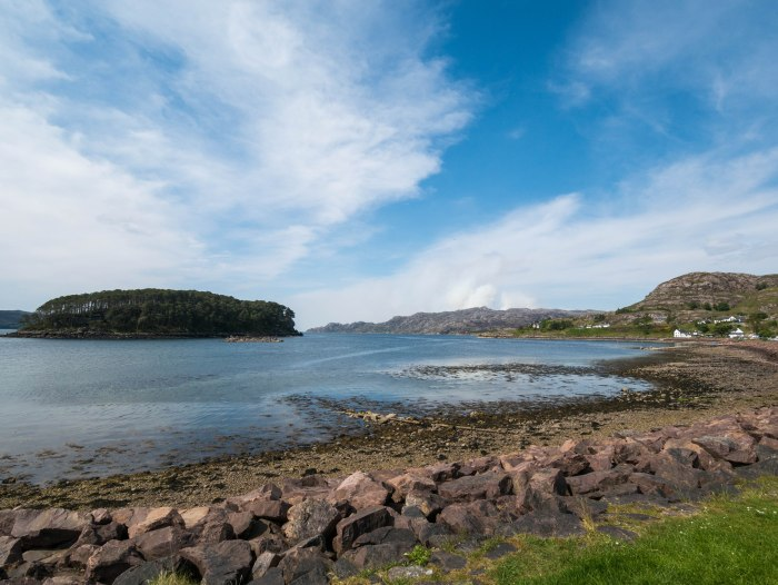 image of shieldaig scotland in the scottish highlands