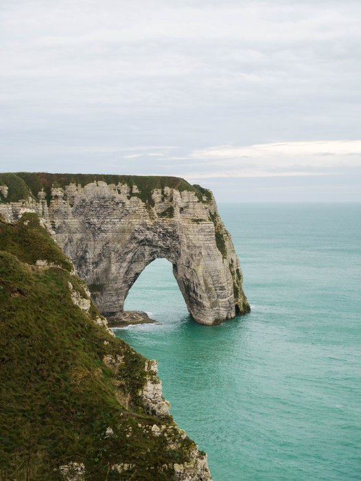 etretat france rock formation