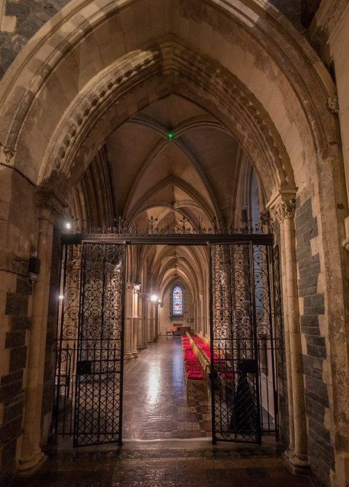 christ church cathedral aisle