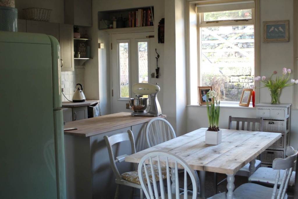 Grey and White Country Kitchen - Scaffold Plank Table Tutorial - Life with Holly