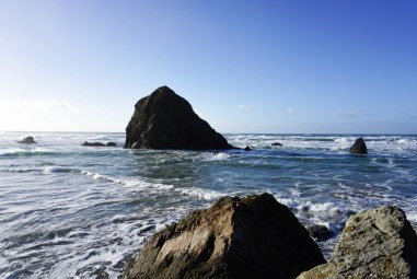 Picture of the rocks at Cannon Beach in Oregon