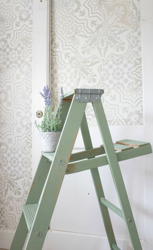 Rustic Painted Vintage Ladder - Making It In The Mountains - HMLP 142 Feature