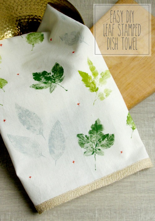 Easy DIY Leaf Stamped Dish Towel - Flamingo Toes - HMLP 153 Feature