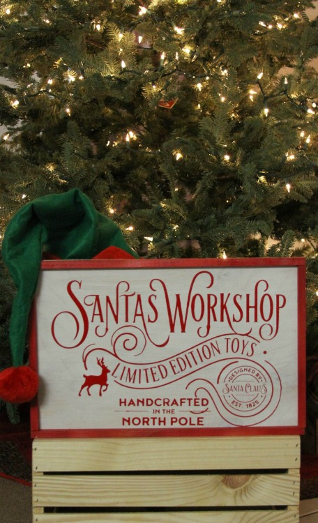 DIY Santa's Workshop Wood Sign - Giggles Galore - HMLP 165 Feature