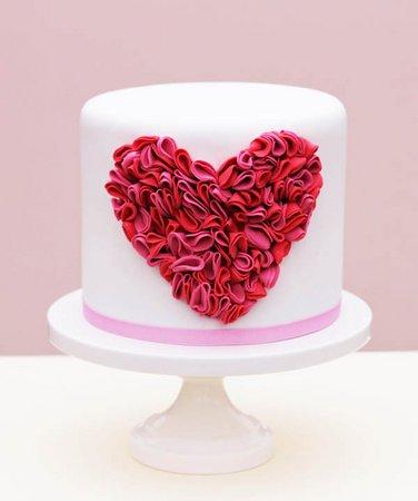 diy ruffle valentines heart cake