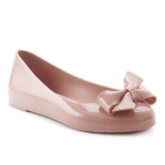 spring shoe trends jelly flat