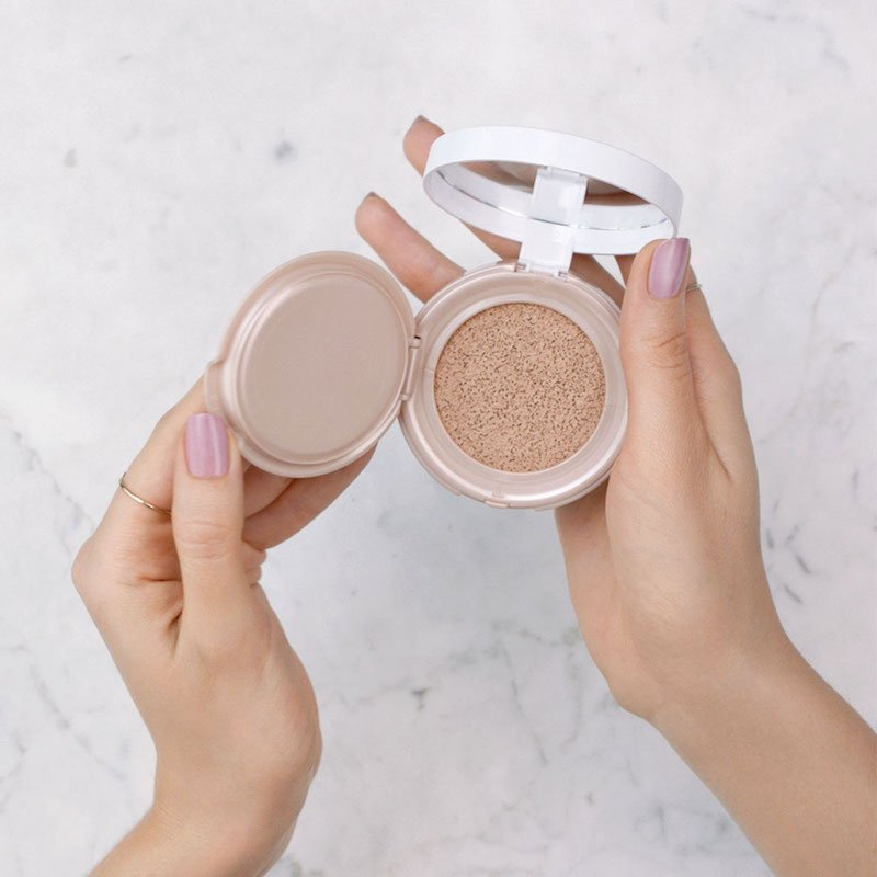 Maybelline dream cushion foundation review, click to see the full review in the post!