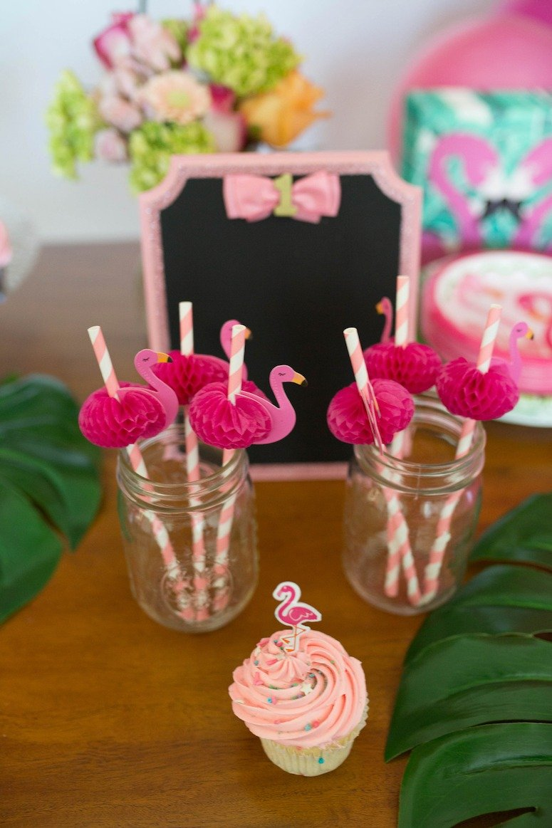 flamingo birthday party decor