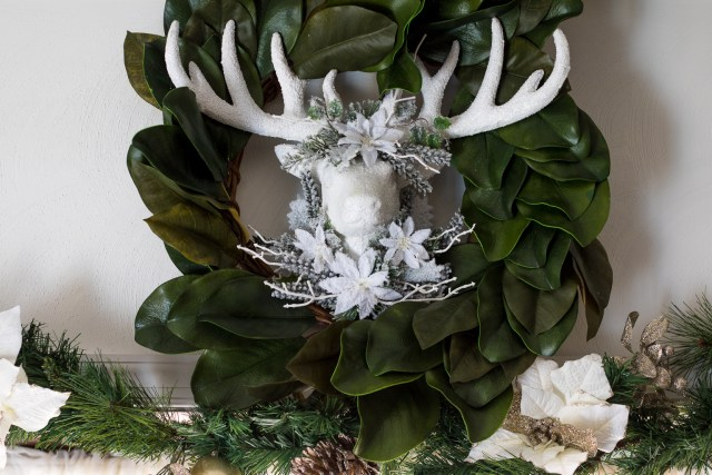Reindeer Wreath (1 of 1)