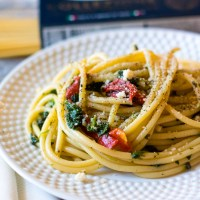 Spinach & Roasted Red Pepper Pasta