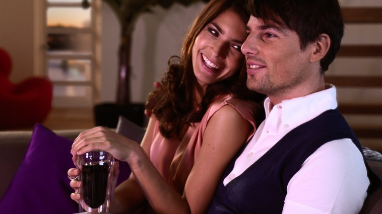 LXP - Lifexpe - Ways to love even better couple sitting watching tv love in relationship tips