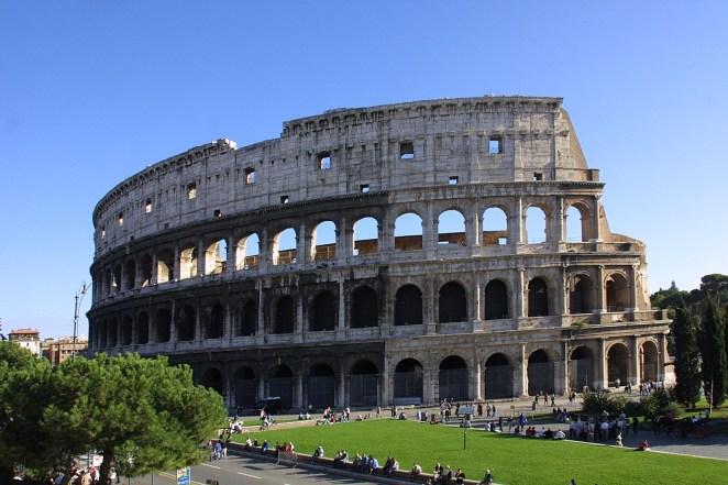 LXP Beautiful Location Getaway Italy Colloseum
