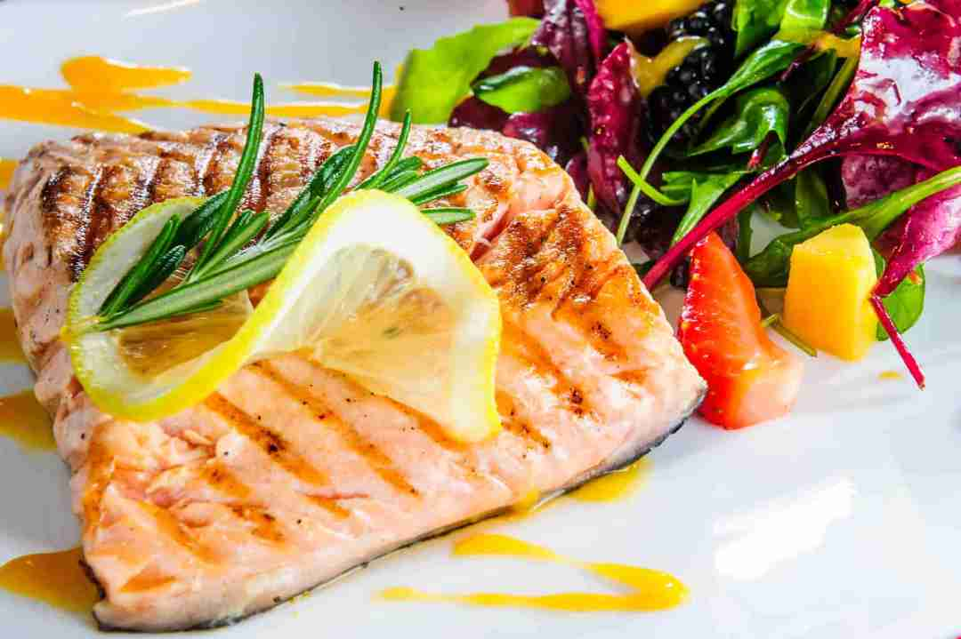 grilled salmon with greens and berry salad