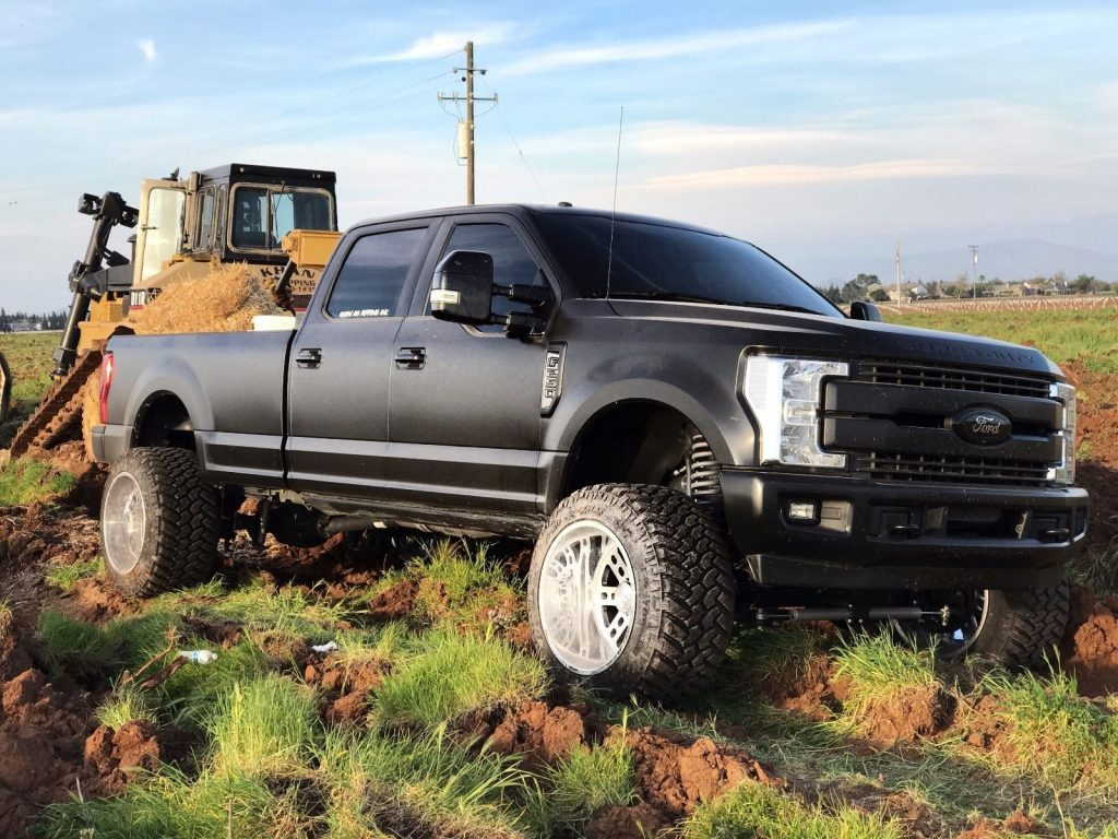 Lifted Ford Super Duty