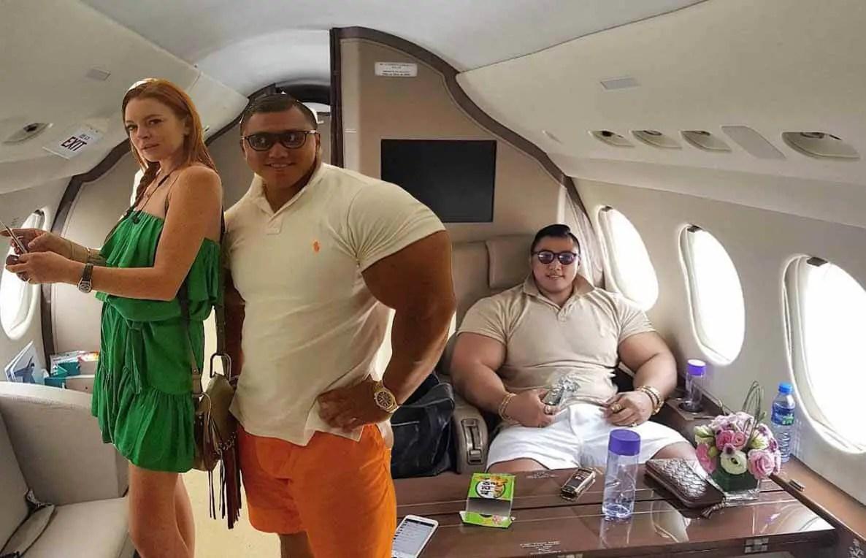 Lindsay Lohan is Dating a Massive Korean Billionaire Arm